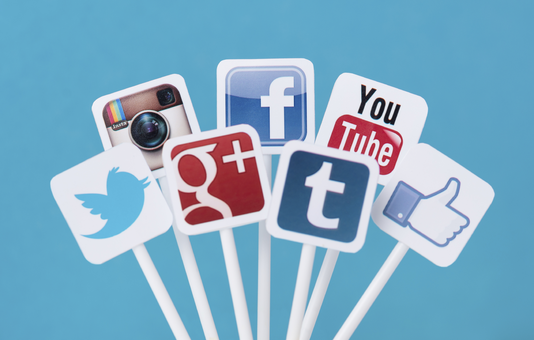 How to Make Sure Your Employees Social Media Etiquette Is Up to Company Standards